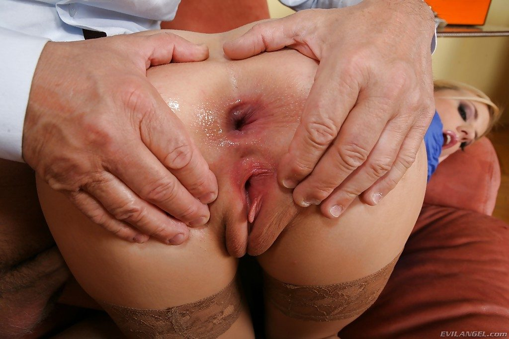 Filthy blonde gets drilled